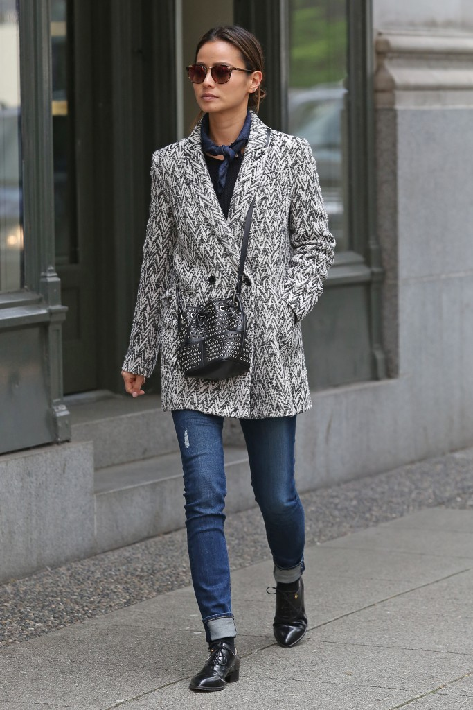 Jamie Chung Out in Vancouver-2