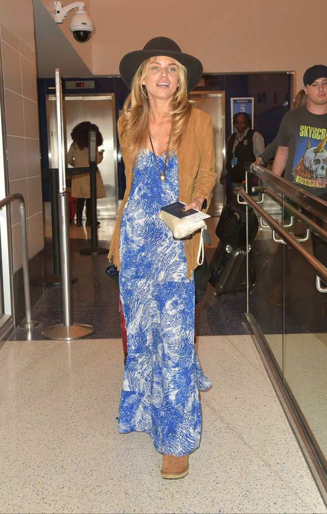 AnnaLynne McCord Was Spotted at LAX Airport in Los Angeles-3