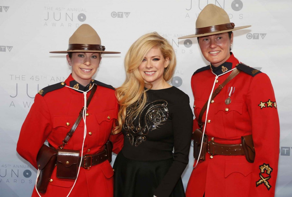 Avril Lavigne at 2016 Juno Awards in Calgary-3