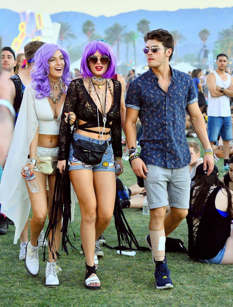 Bella Thorne at the Coachella Valley Music and Arts Festival in Indio-4
