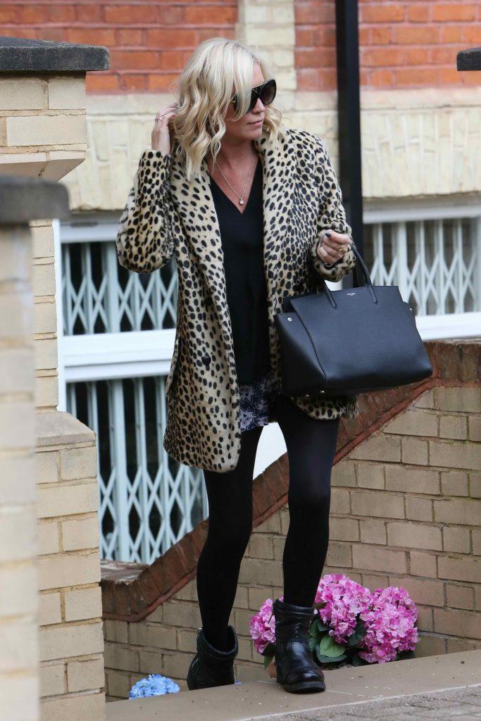 Denise van Outen Leaves Her London Home-2