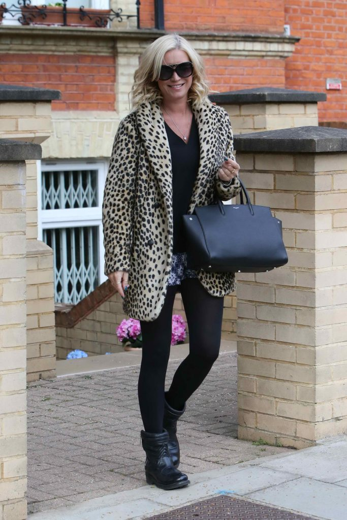 Denise van Outen Leaves Her London Home-4