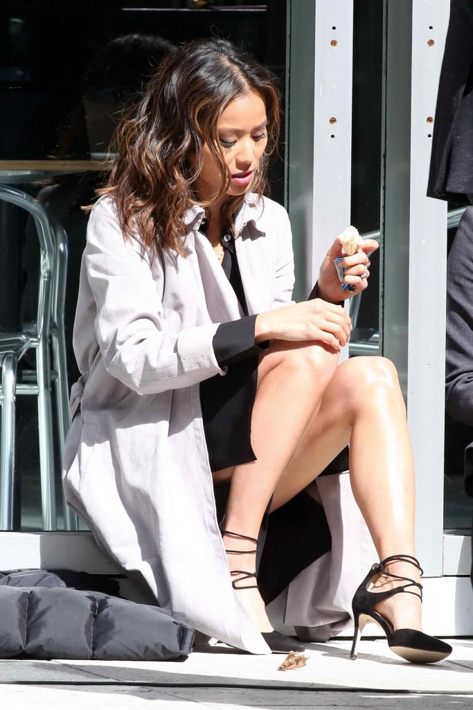 Jamie Chung on Set of Miranda's Rights in Vancouver-3