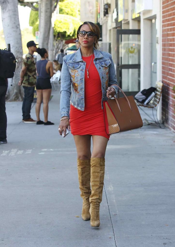Vivica A. Fox Shopping in Los Angeles-1