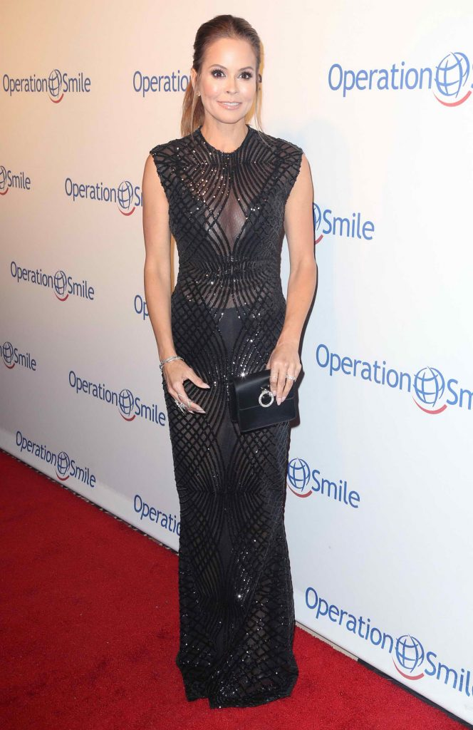 Brooke Burke at the 14th Annual Smile Gala in New York-2