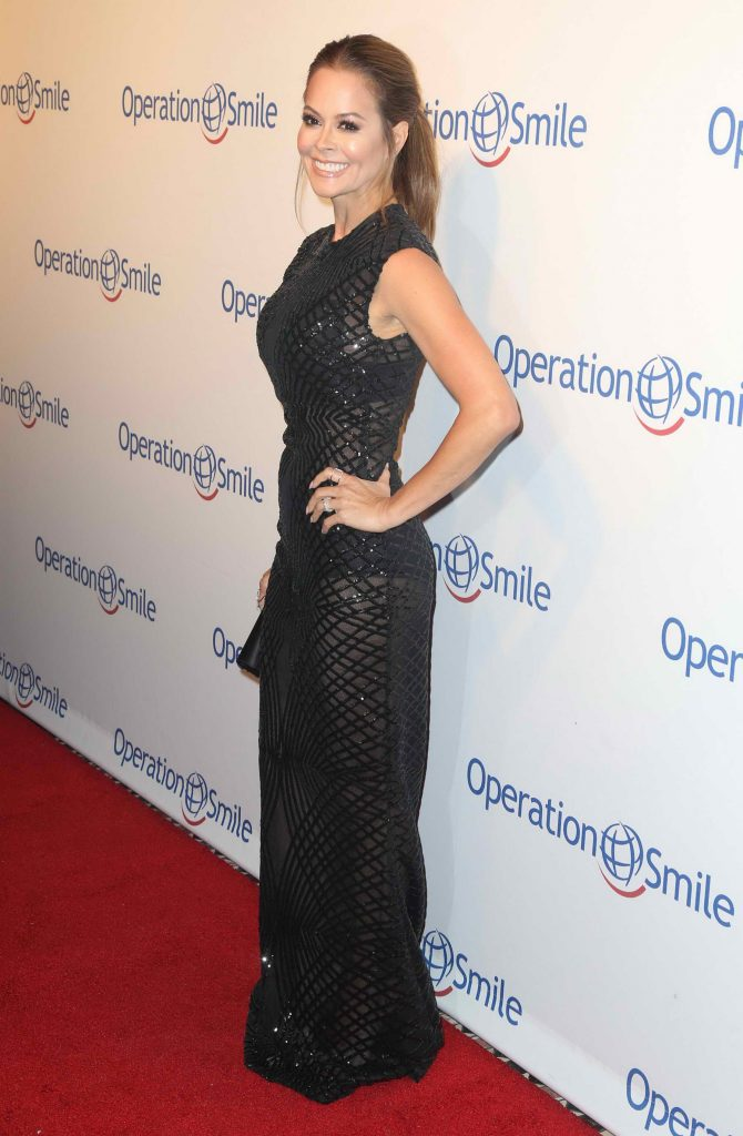 Brooke Burke at the 14th Annual Smile Gala in New York-3