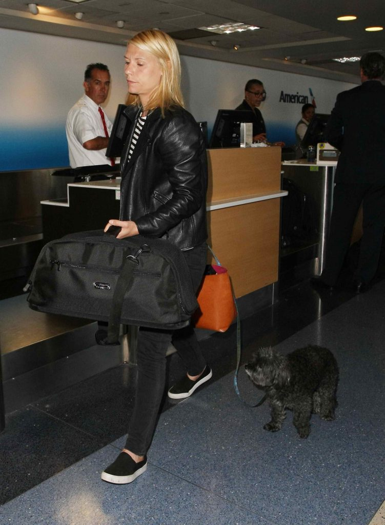 Claire Danes at LAX Airport in Los Angeles-1