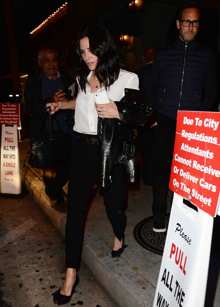 Courteney Cox Attends Rihanna's Concert in Los Angeles-3