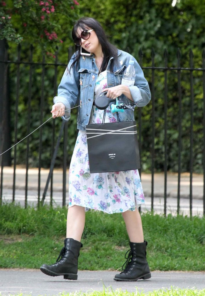 Daisy Lowe Was Spotted in Primrose Hill Park in North London-1