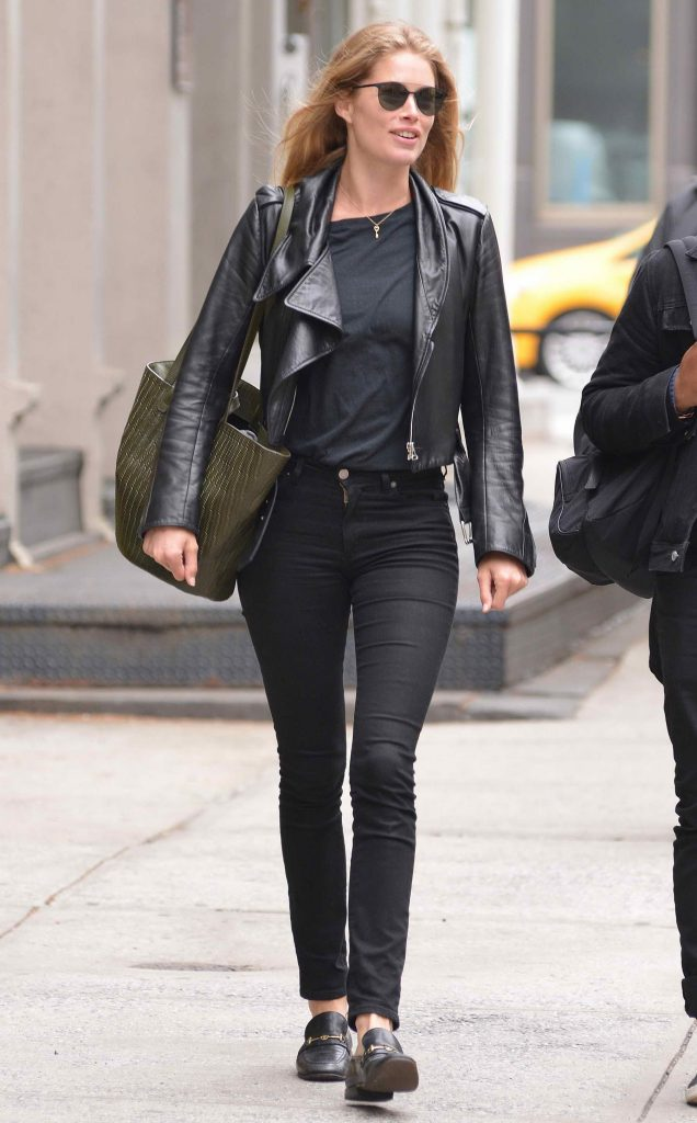 Doutzen Kroes Was Seen in Soho-1