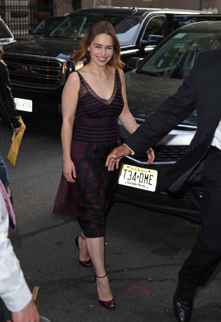 Emilia Clarke Signs Her Book at Barnes & Noble in New York City-1