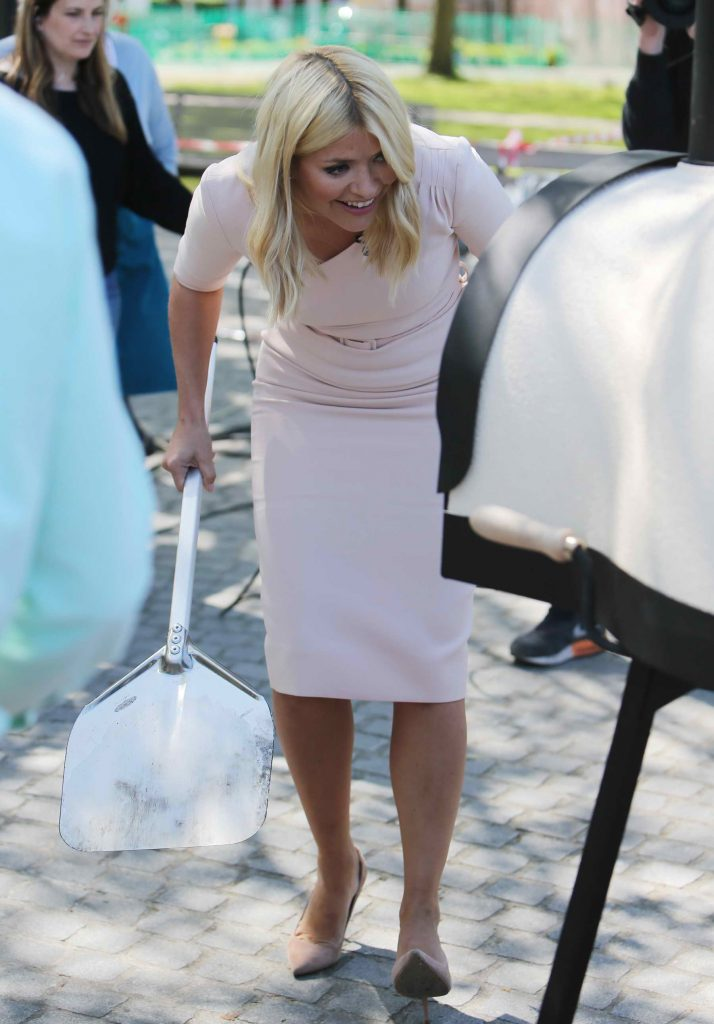 Holly Willoughby Outside ITV Studios in London-5