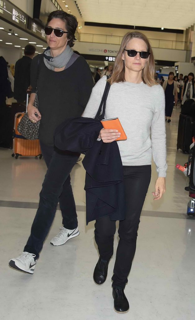 Jodie Foster Was Seen at Narita International Airport-1