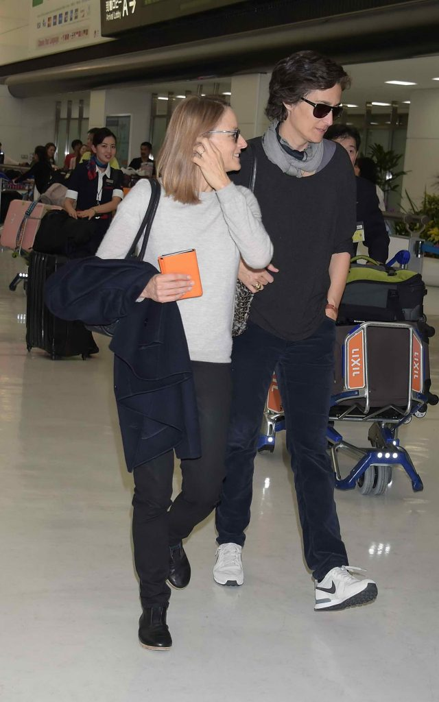 Jodie Foster Was Seen at Narita International Airport-5