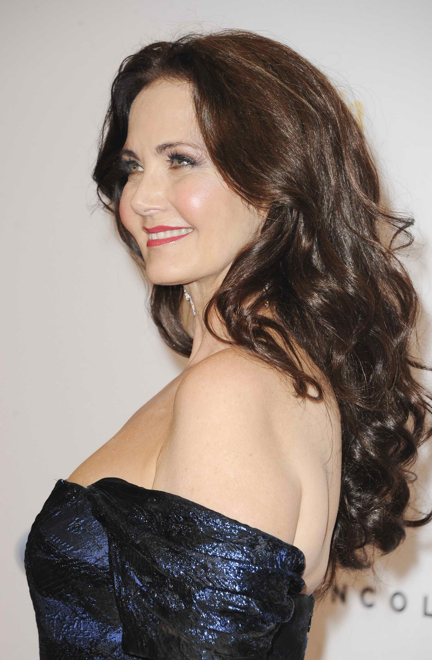 Lynda Carter at 41st Annual Gracie Awards Gala May in Beverly Hills - Celeb Donut
