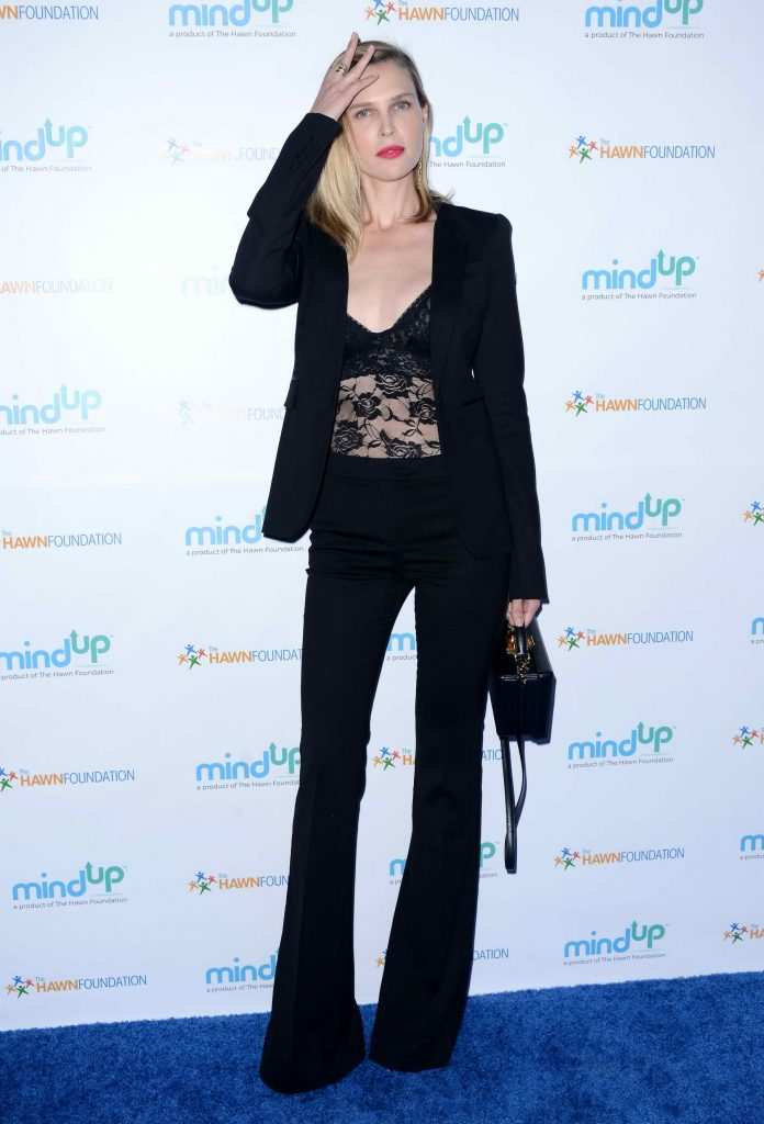 Sara Foster at the Goldie's Love in for Kids Event in Los Angeles-2