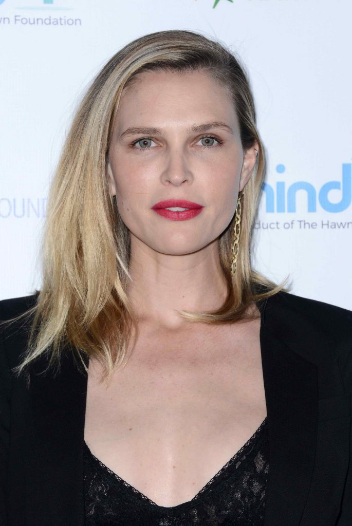 Sara Foster at the Goldie's Love in for Kids Event in Los Angeles-4