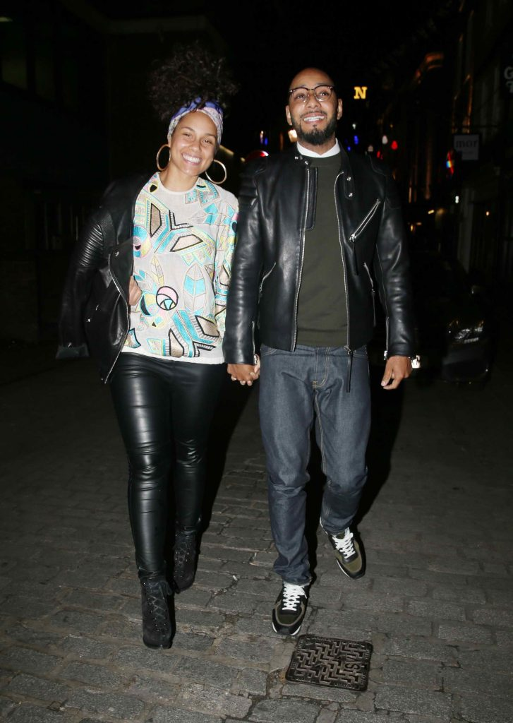 Alicia Keys Leaves the Novikov Restaurant in London-1