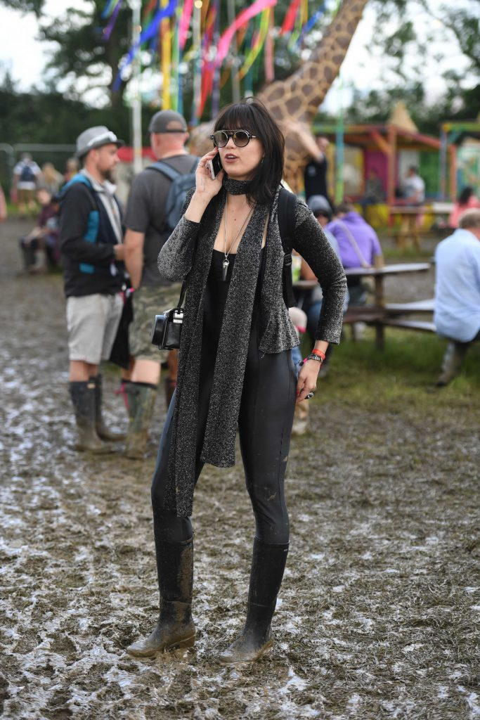 Daisy Lowe Visits the 2016 Glastonbury Festival in England-1