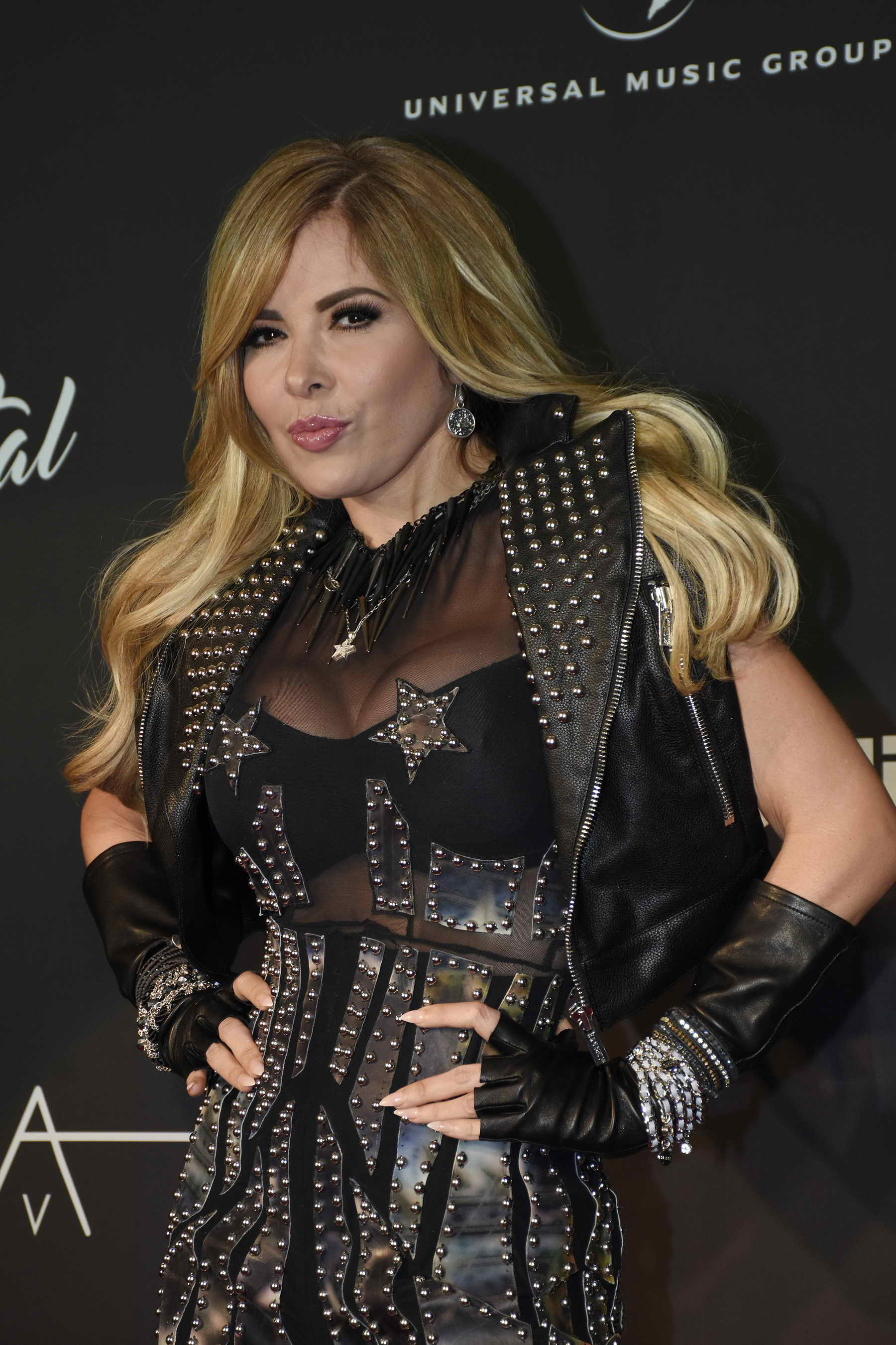 Gloria Trevi Gloria Trevi Sold Out San Jose Theaters Math Wallpaper Golden Find Free HD for Desktop [pastnedes.tk]