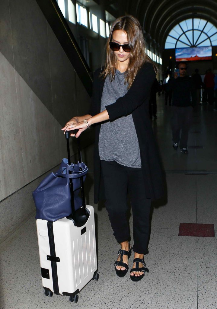 Jessica Alba at LAX Airport in Los Angeles-5