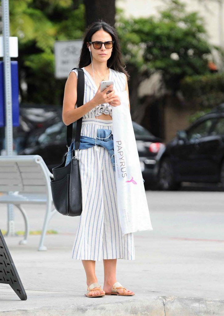Jordana Brewster Goes Shopping in Santa Monica-1