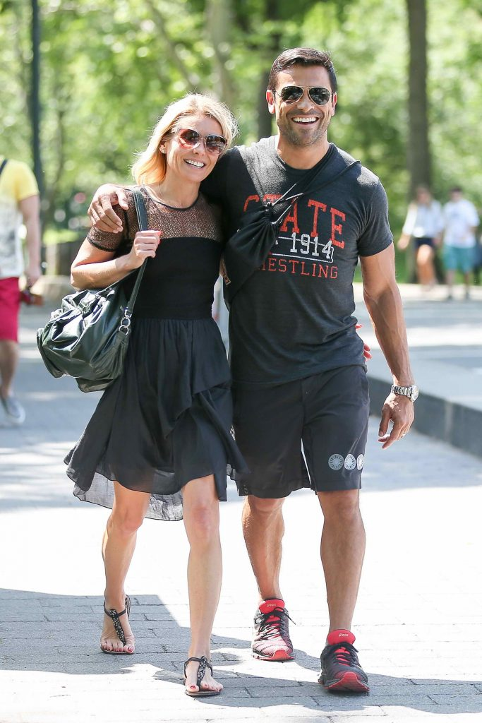 Kelly Ripa Was Seen in Central Park in New York-2