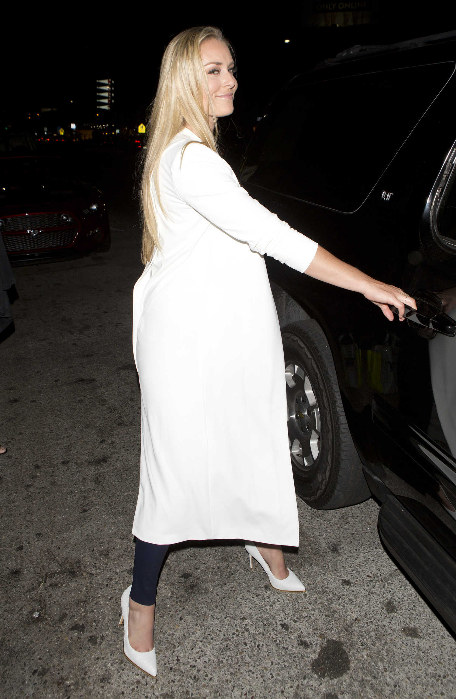 lindsey vonn leaves the nice guy club in west hollywood