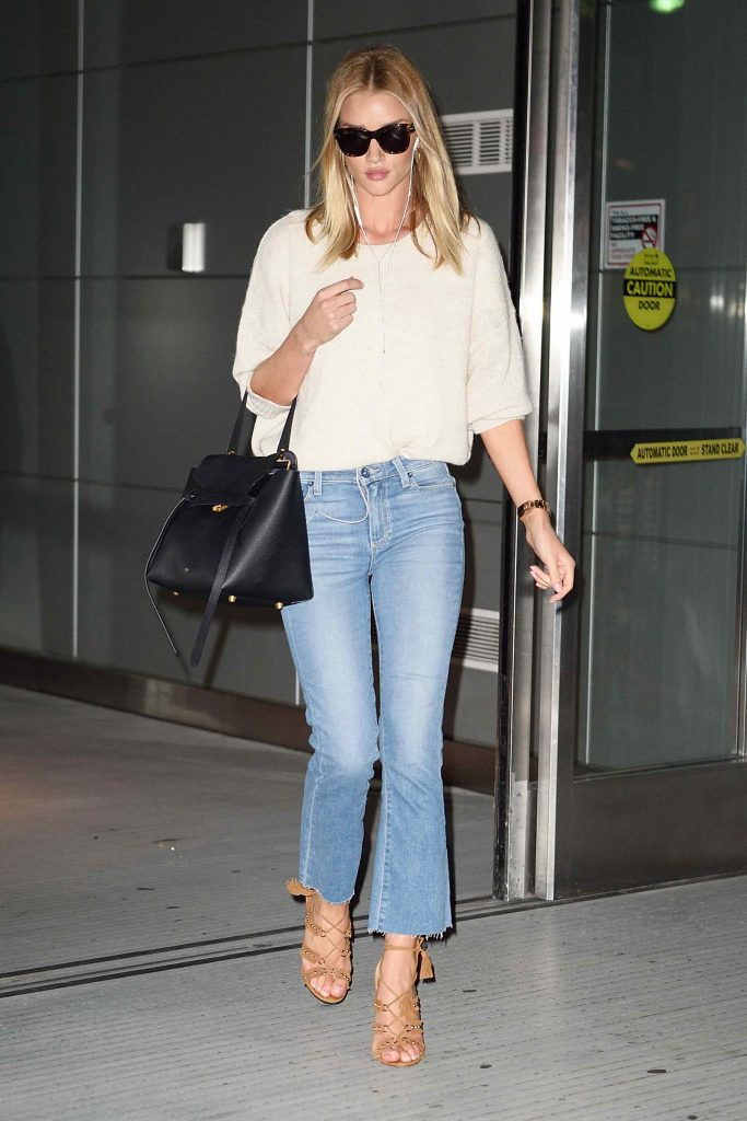 Rosie Huntington-Whiteley Arrives in New York-1