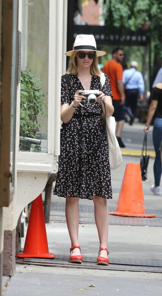 Beth Behrs Was Seen Out in New York City-2