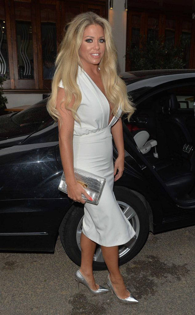 Bianca Gascoigne Leaves the Gaslight Club in London-3
