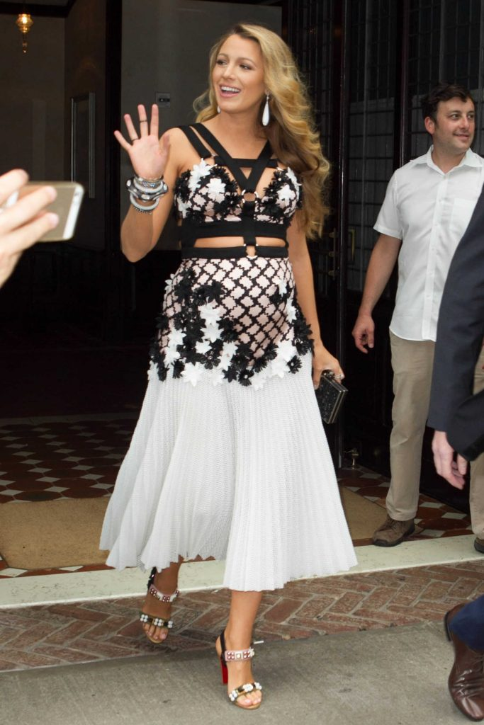 Blake Lively Leaves Her Hotel in New York City-2