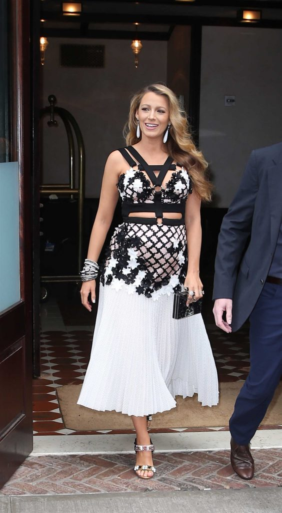 Blake Lively Leaves Her Hotel in New York City-3