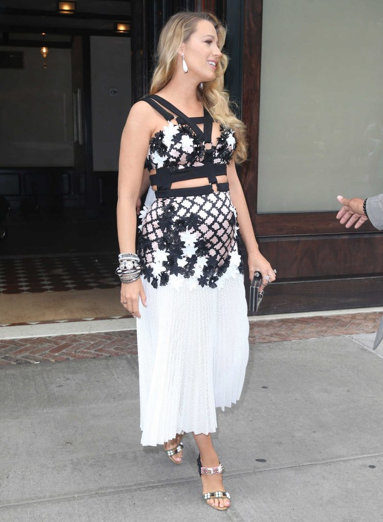 Blake Lively Leaves Her Hotel in New York City-4