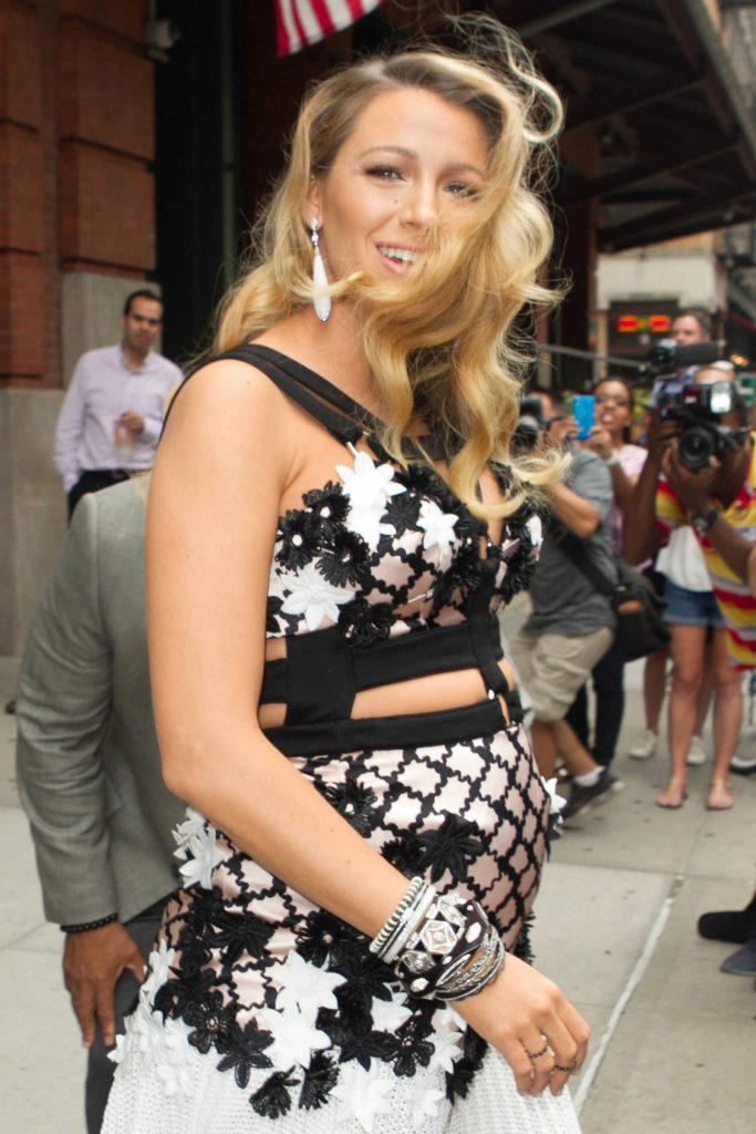 Blake Lively Leaves Her Hotel in New York City-5