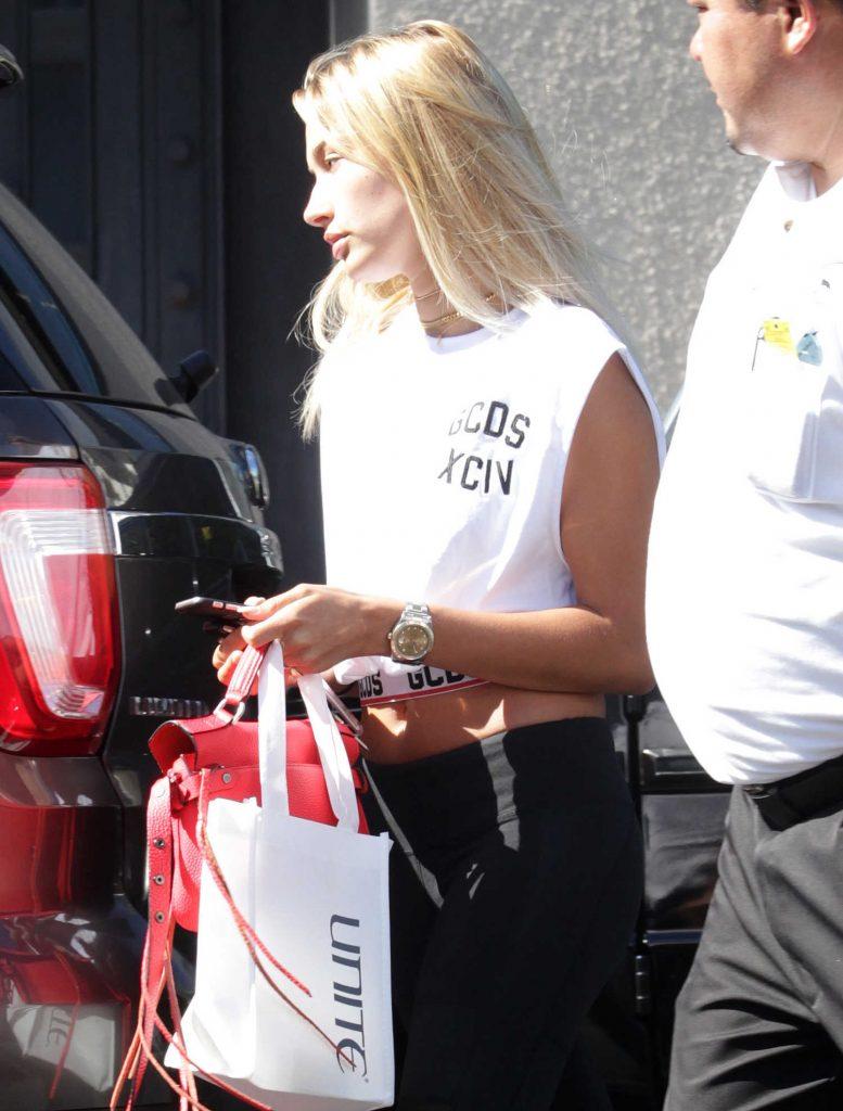 Hailey Baldwin Leaves a Hair Salon in West Hollywood-1
