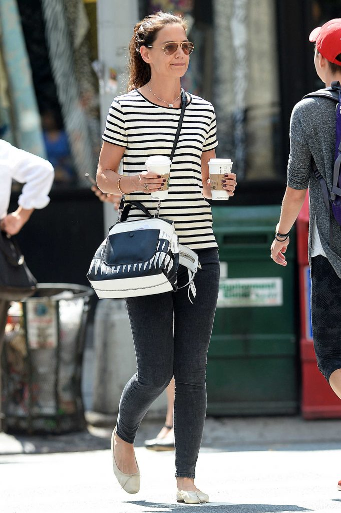 Katie Holmes Was Seen Out in Manhattan-3