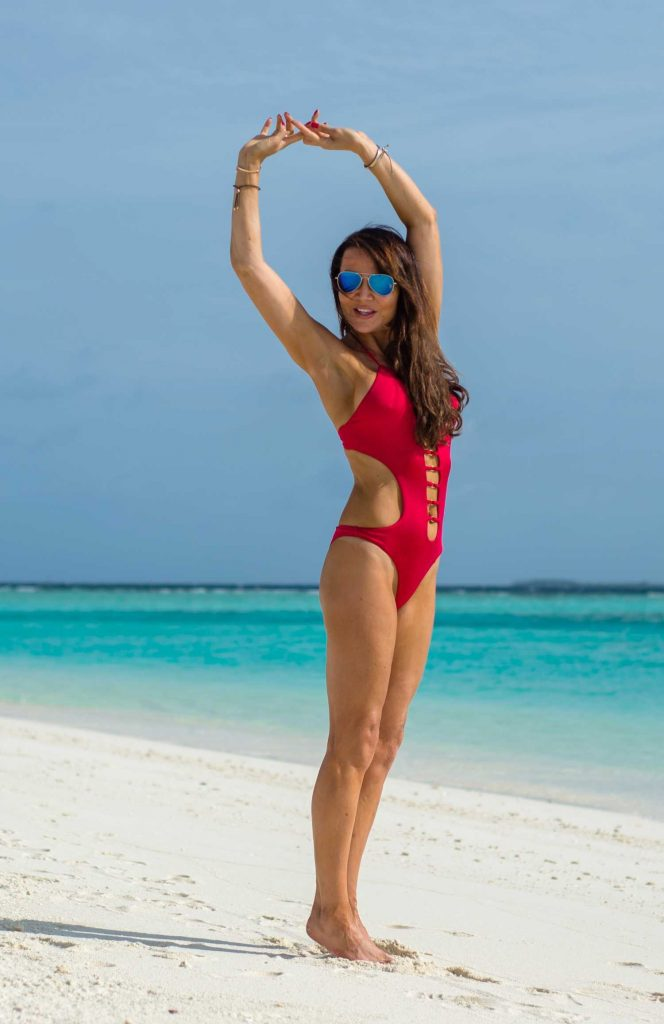 Lizzie Cundy in a Red Swimsuit at the Beach in the Maldives-2