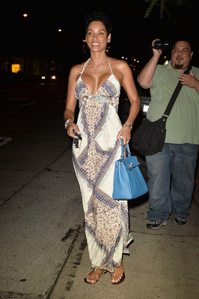 Nicole Murphy Has Dinner at Madeos in Los Angeles-3