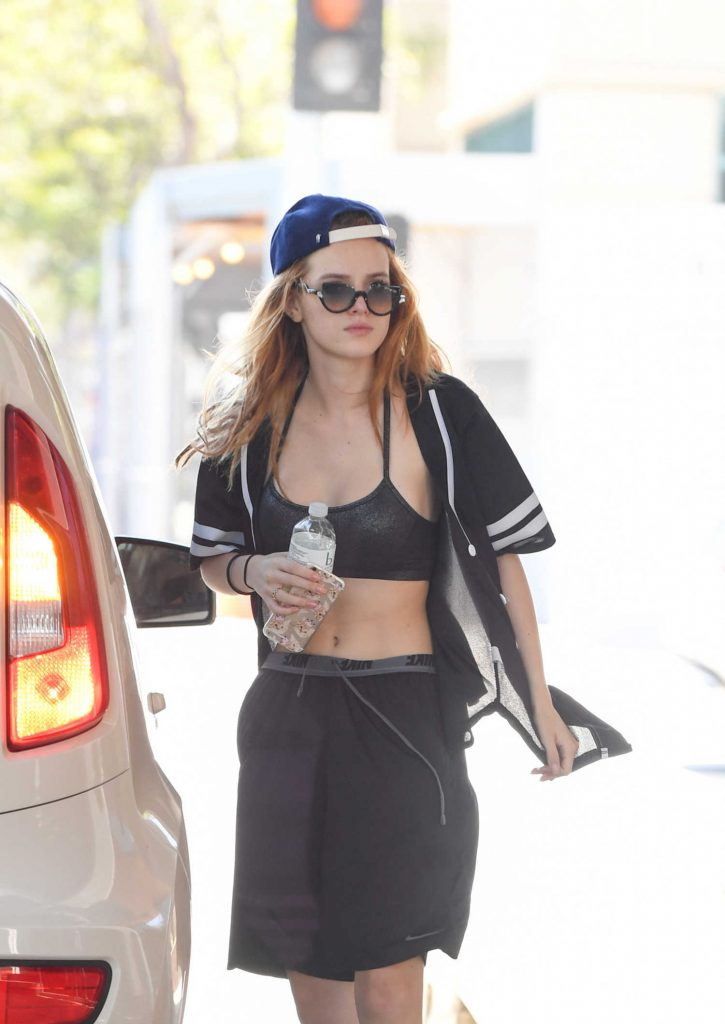 Bella Thorne Was Seen Out in Santa Monica-5