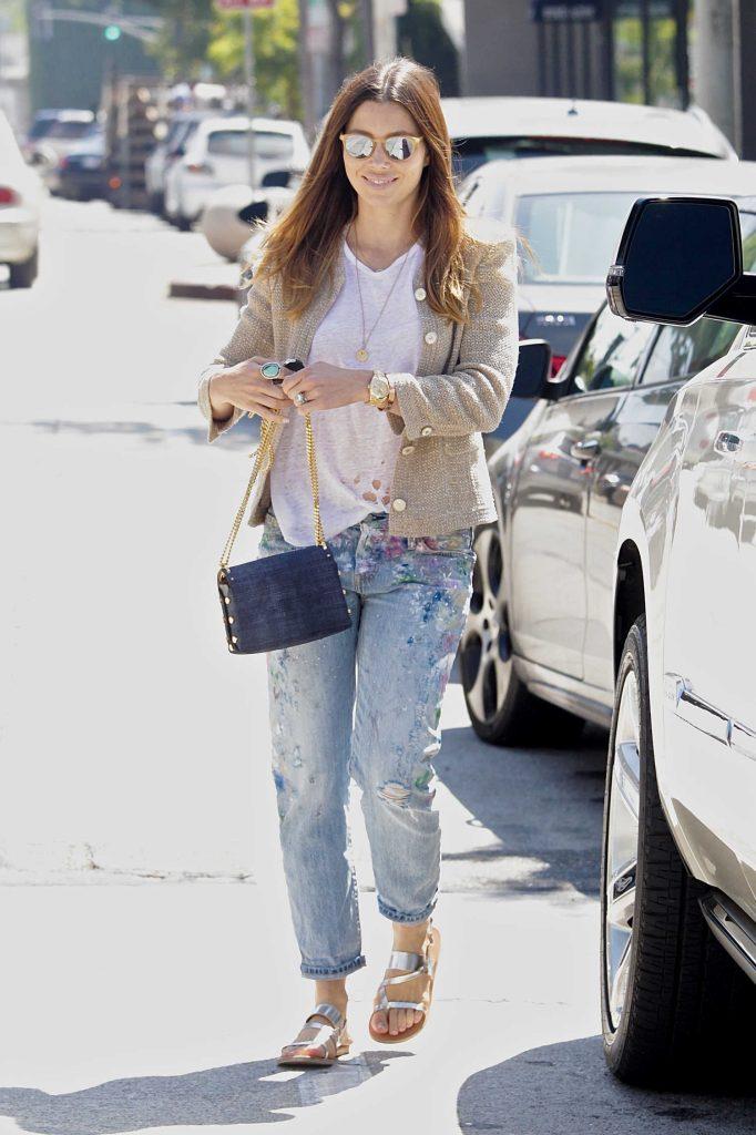 Jessica Biel Walks to Her Car in Beverly Hills-3