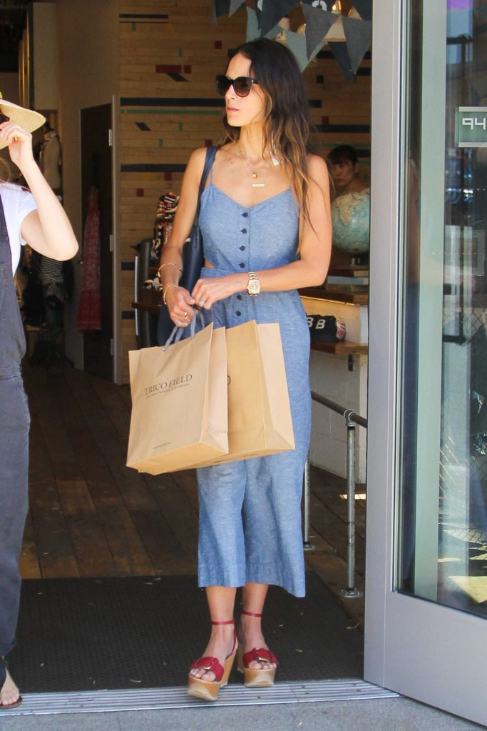 Jordana Brewster Goes Shopping in Beverly Hills-1