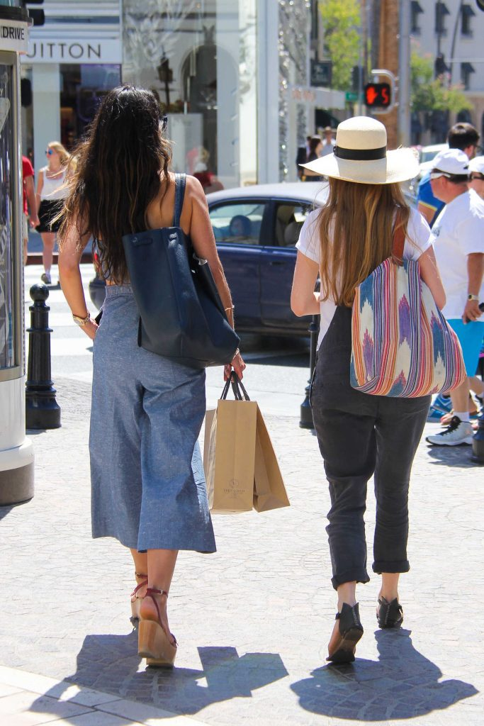 Jordana Brewster Goes Shopping in Beverly Hills-5
