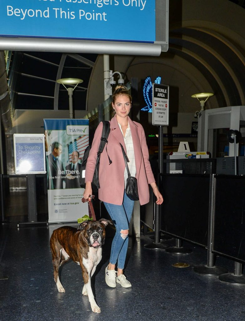 Kate Upton With Her Dog Arrives at LAX Airport in Los Angeles-1
