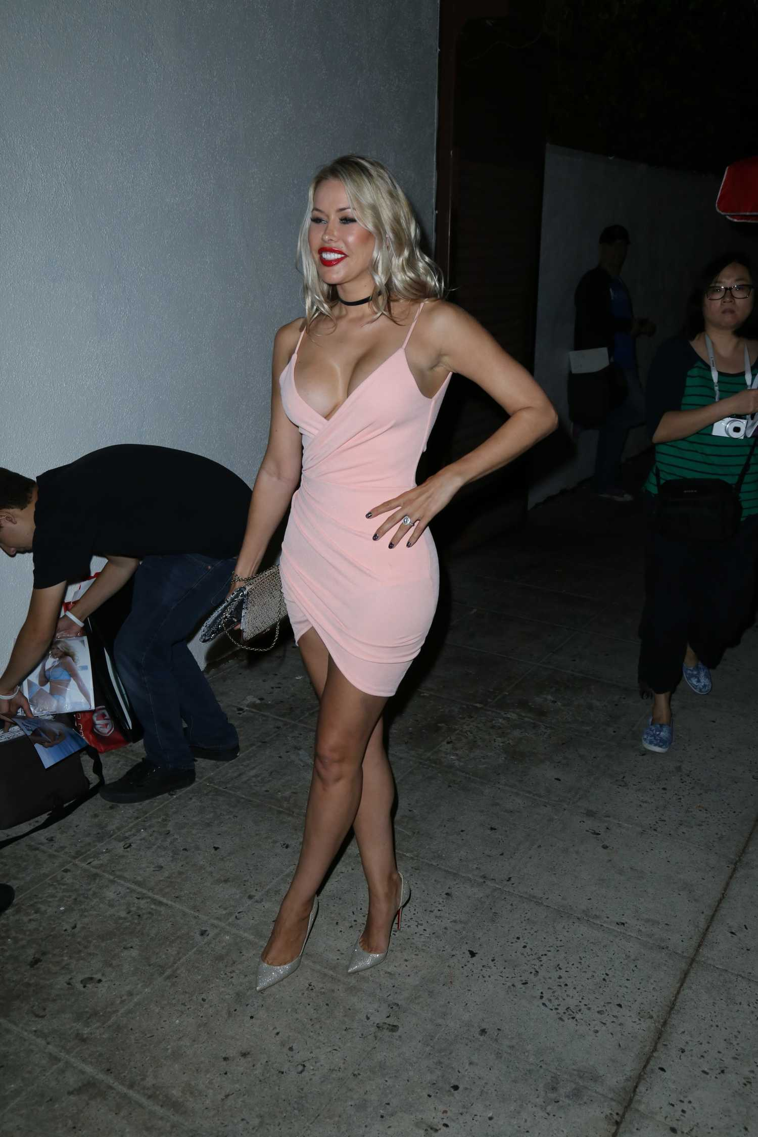 Kennedy summers arrives at le jardin nightclub in los for Jardin kennedy