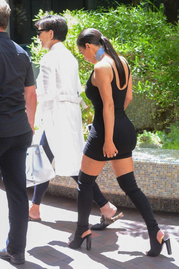 Kim Kardashian Was Seen on Melrose Avenue in West Hollywood-2