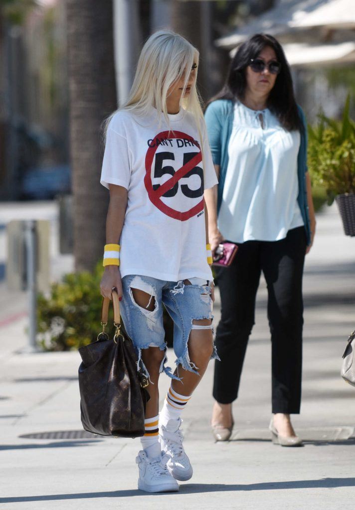 Pia Mia at the Lunch at Il Fornaio in Los Angeles-4