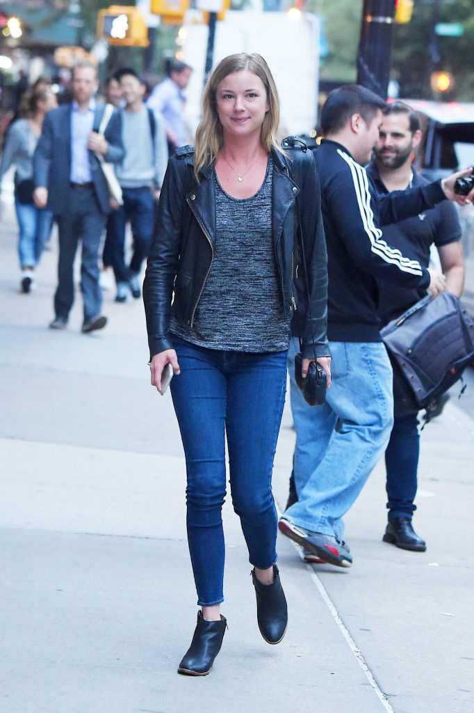 Emily VanCamp Was Seen Out in Tribeca in New York-2