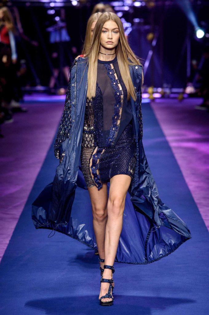 Gigi hadid at the versace show during 2017 milan fashion for Gigi hadid fashion week