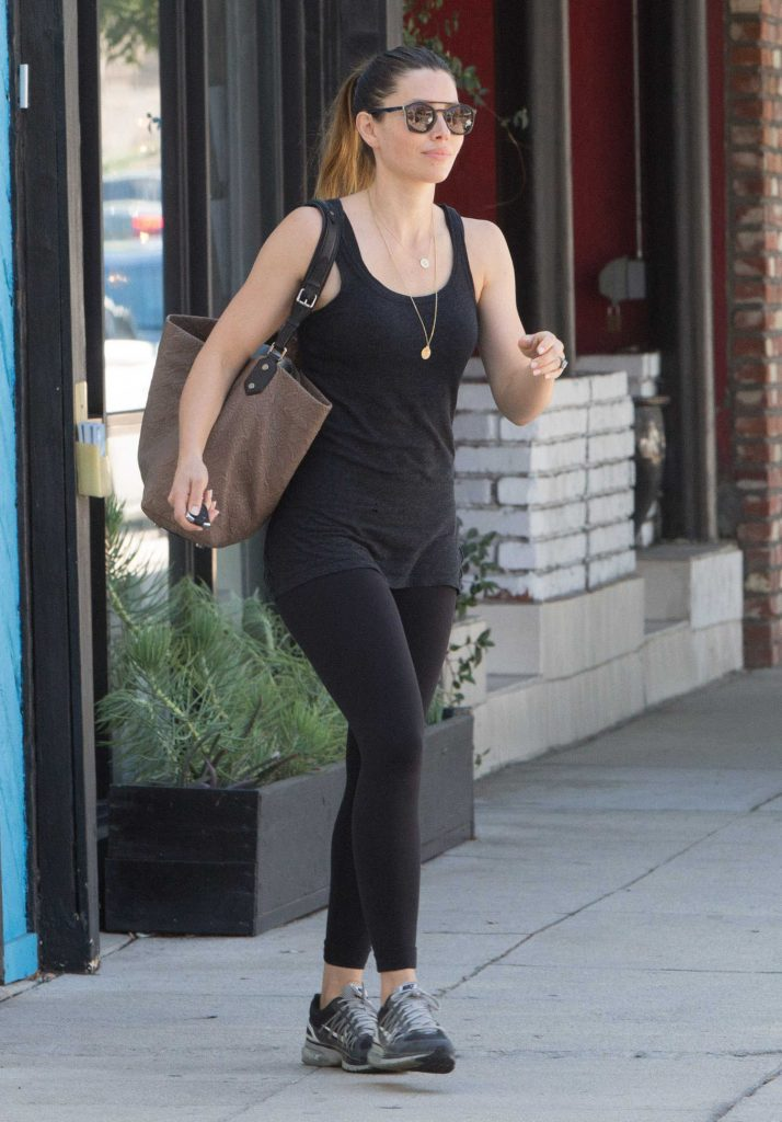 Jessica Biel Leaves a Pilates Studio in Studio City-2